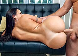 assparade: Julianna Vega Get's Railed