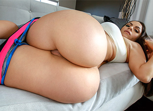 AssParade – Marta LaCroft and her tremendous ass – Marta Croft