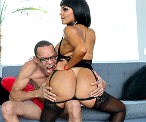 lost-monster-s-anal-with-a-big-ass