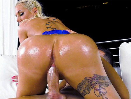 Kyra's Amazing Big Ass And Tits