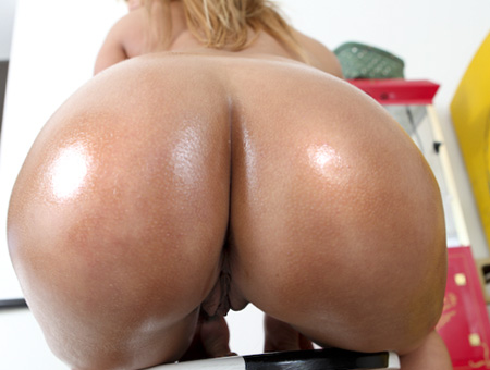 Shyla Stylez The Goddess! Ass Parade