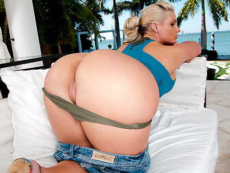 Phoenix Marie Is Outstanding Ass Parade