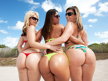 Sara Jay, Spicy J & Sarah Vandella! Stomp The Beach Ass Parade