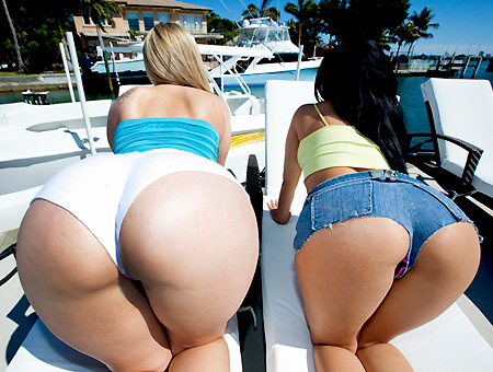 Ass Pounding101 Feat. Briella Bounce & Abella Anderson Ass Parade