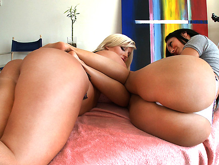 Sizable Butts W/ Julie Cash & Ava Addams Ass Parade