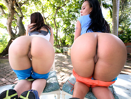 That ASS Is Too Phat! W/ Linda Gapes & Mariah Milano Ass Parade