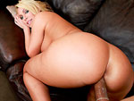 assparade: Big Round Juicy Ass on Mellaine Monroe
