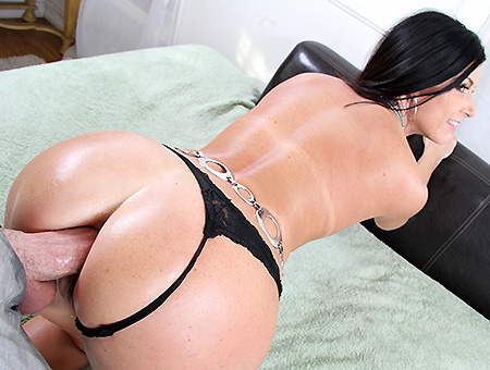 Porn-Star Fucked In The Ass Then Swallows!
