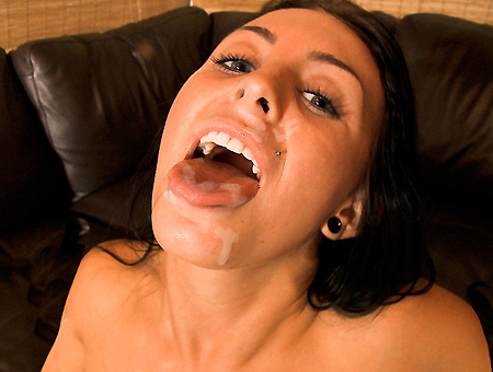 Jackie Daniels Is Insane!!! Big Mouthfuls