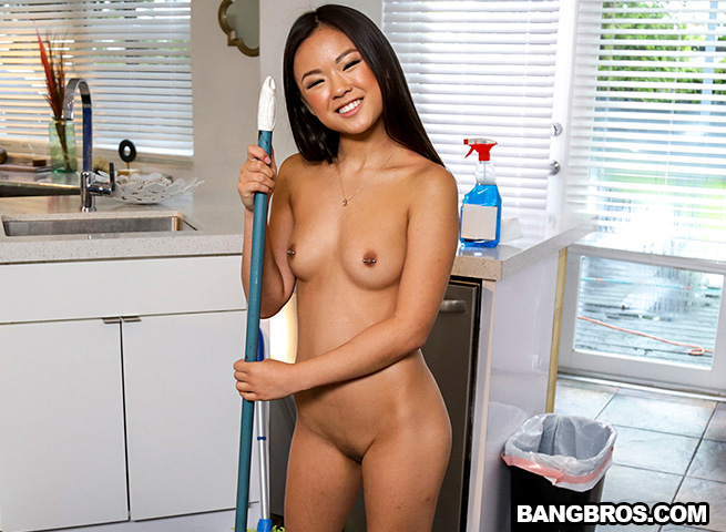 Flat chested naked woman